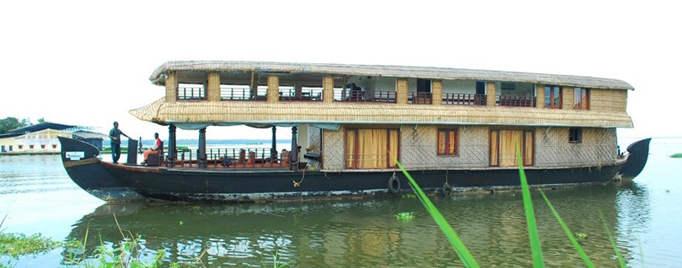 Five Bedroom Deluxe Houseboat